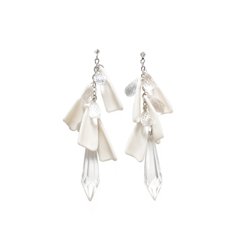 [삿치]서현 착용  DRIP DROP CRYSTAL ACRYLIC EARRINGS